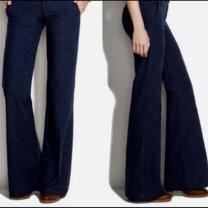 Madewell flared jeans. Size 25